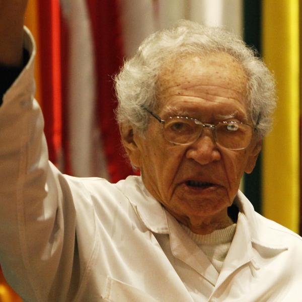 Poeta Brasileño Thiago De Mello Llama A Profundizar La