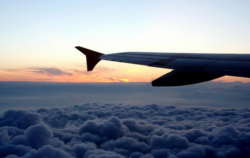 Consejos Para Viajar En Avión Sin Molestias: Consejos Para Viajar En Avión Cómoda Y Aterrizar Con