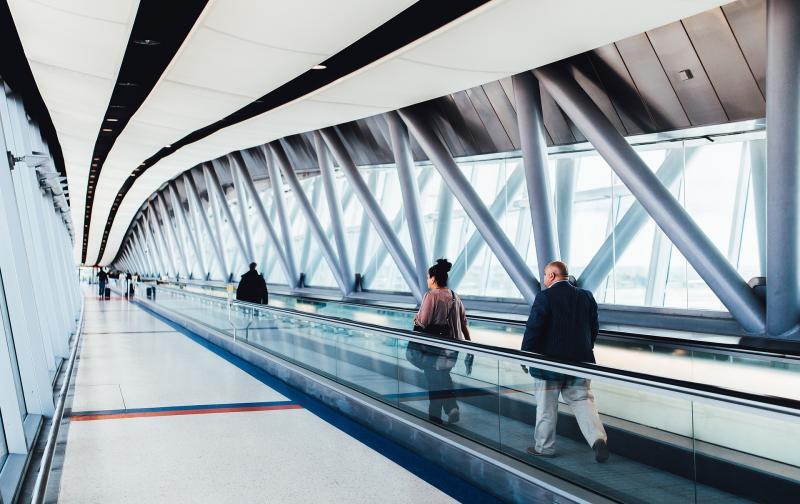 airport-925093_1920.jpg