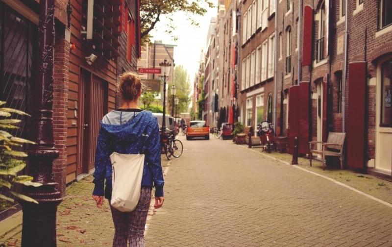 amsterdam-travel-netherlands-dutch-city-street_1.jpg