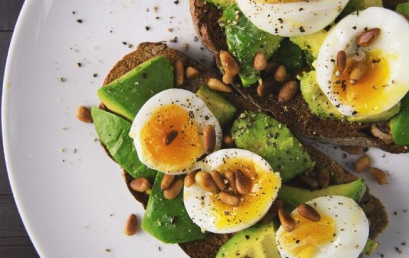 appetizer-avocado-bread-566566-750x400.jpg