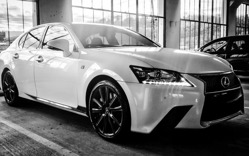 automotive-black-and-white-car-376674.jpg