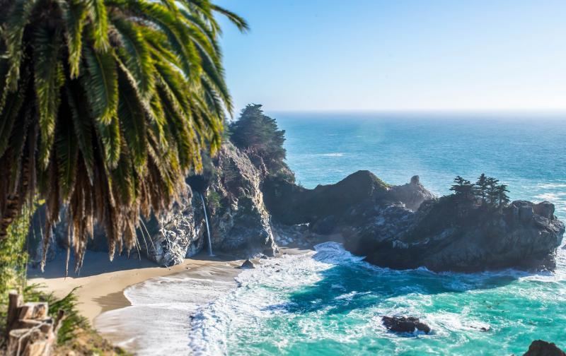beach-801875_1920.jpg