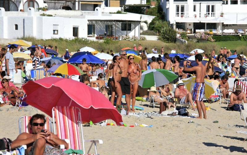 beach_in_punta_del_este_5364861982.jpg