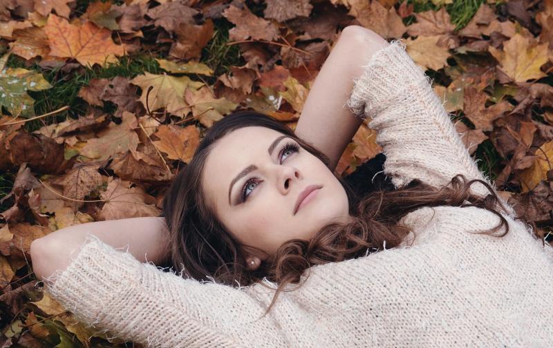 beautiful-girl-2003647_1280.jpg