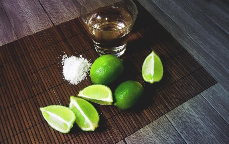 beverage-drink-tequila-bar-2593432.jpg