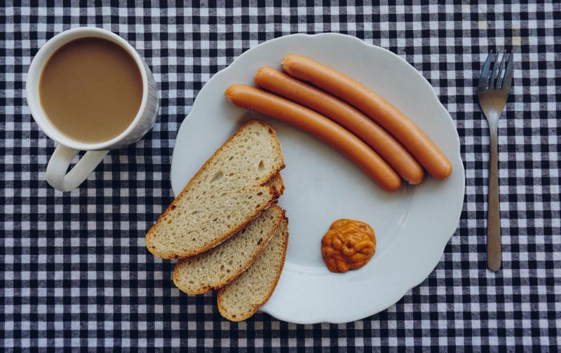 bread-coffee-wurst-breakfest-7789.jpg