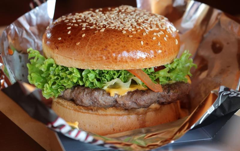 burger-3946012_1920.jpg