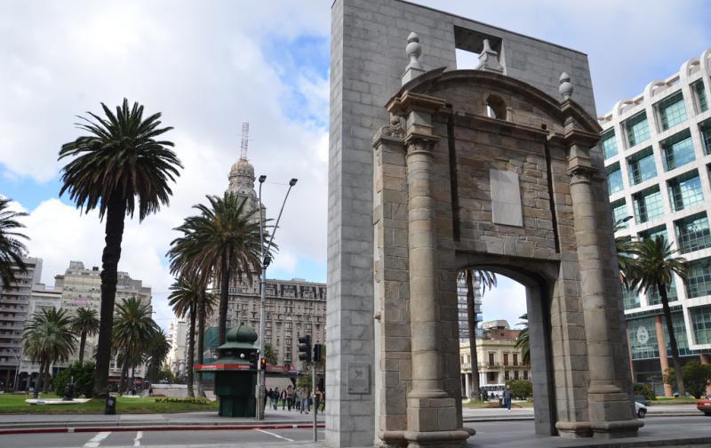 ciudad_vieja_de_montevideo.jpg