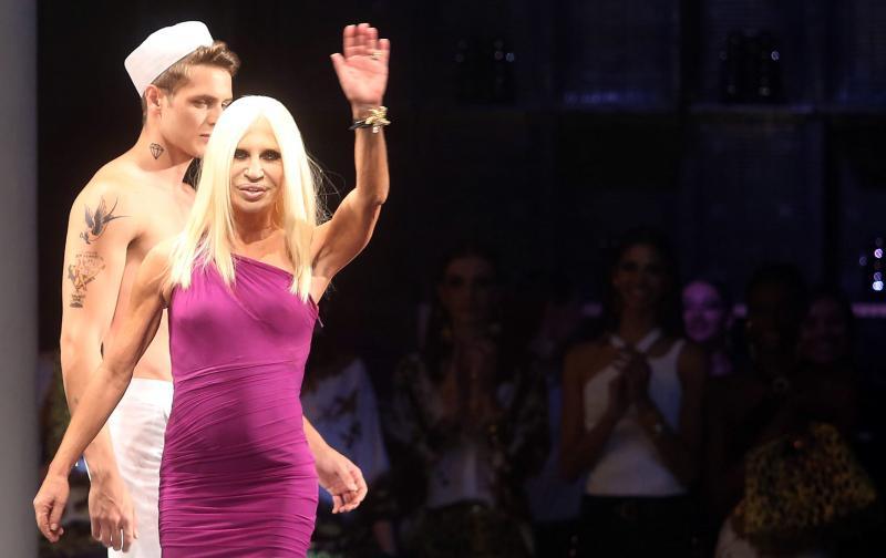 Donatella Versace presenta en Brasil su colección para la marca ...