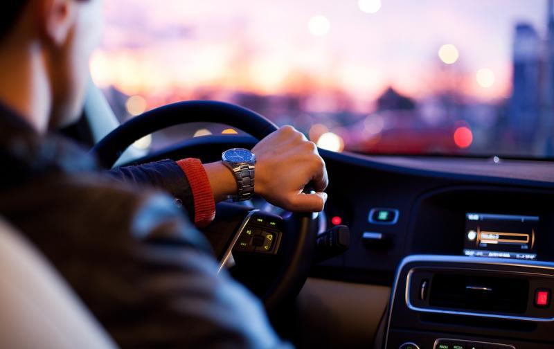 driver-1149997_1280.jpg