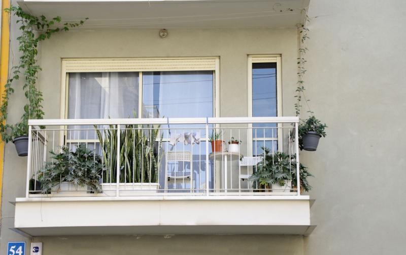 elegant-balcony.jpg