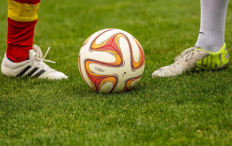 football-1350720_1280.jpg