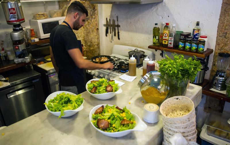 gastronomia_cuba_foto_yamil-lage_1_afp_bienmesabe.jpg