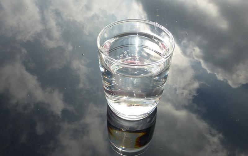glass-475446_640.jpg