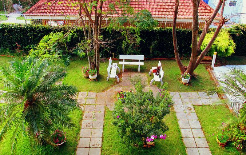 Dise os atractivos para jardines peque os lifestyle de - Diseno de jardines pequenos para casas ...