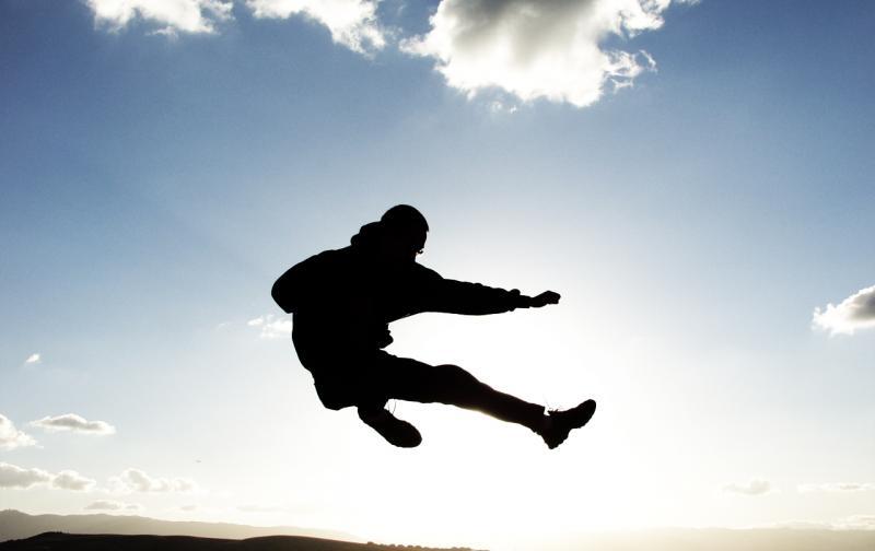 jump-kick-1467118.jpg