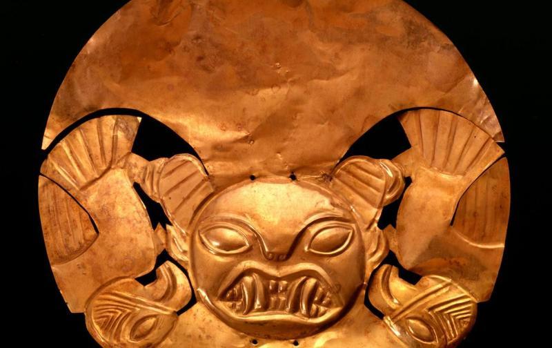 mochica_headdress_larco_museum.jpg