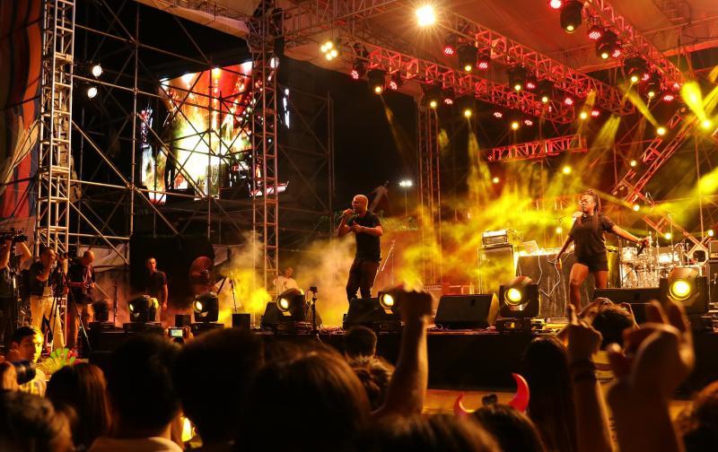 music-festival-2449733_1920.jpg