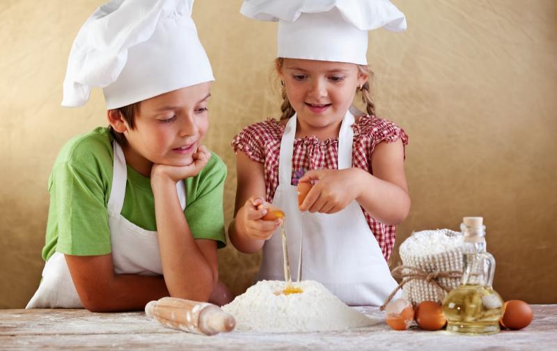 Miele desarrolla en santiago kreative kinder clases de for Cocina creativa para ninos