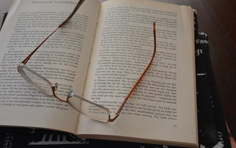 reading-1641886_1920.jpg