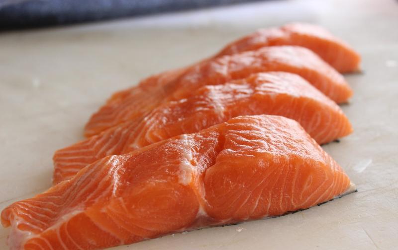 salmon-2562907_1280.jpg