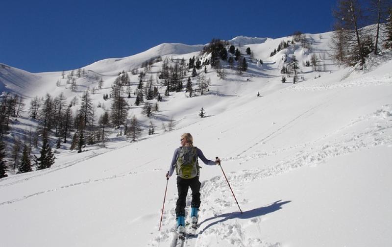 ski-tour-273032_640.jpg