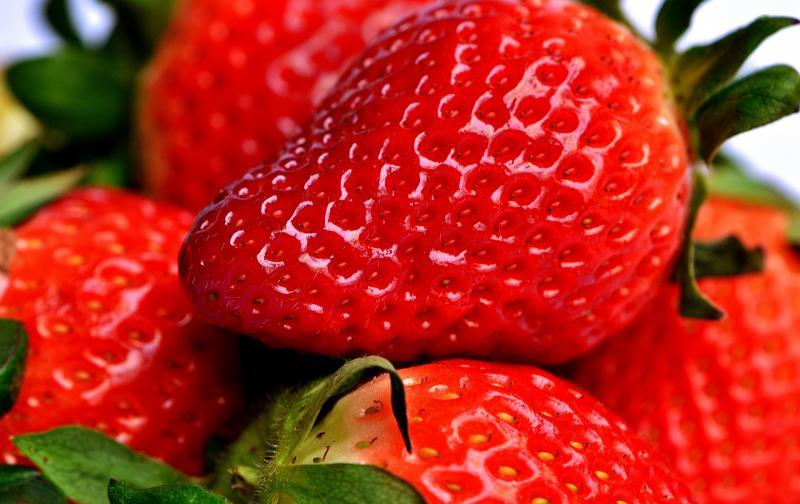 strawberry-2290969_1920.jpg
