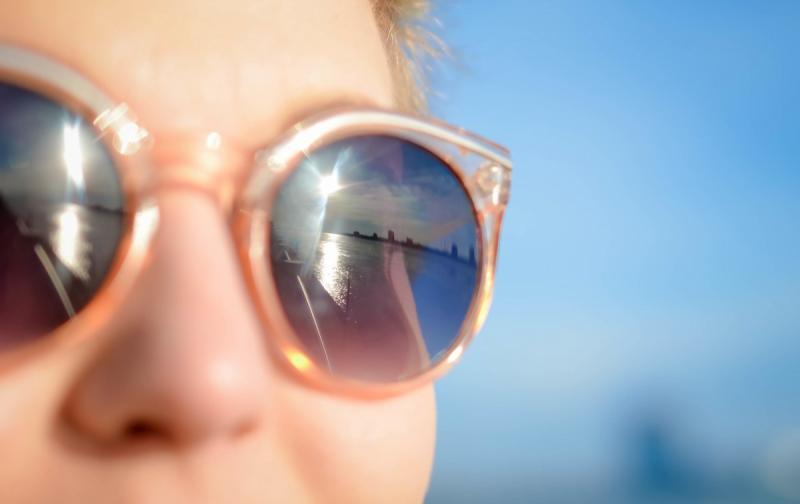 sunglasses_person_glasses_shades_face_sun_eye_protection_summer-596246.jpg