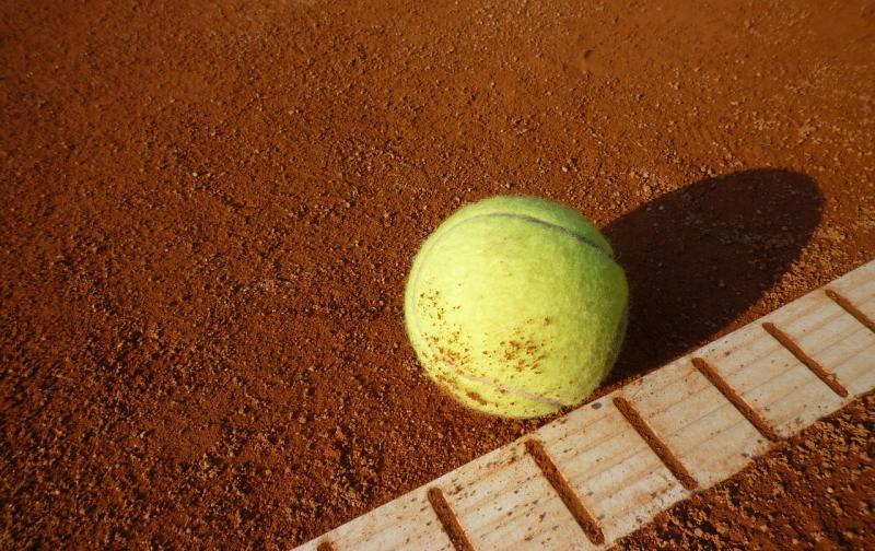 tennis-court-443277_1280.jpg