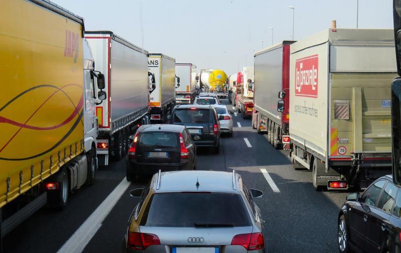 traffic-2251530_1280.jpg