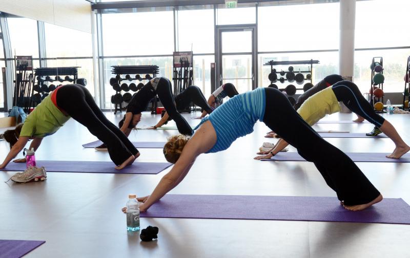 yoga_mujeres.jpg
