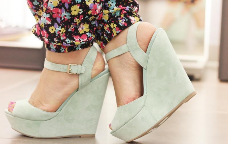 zapatosaltos1.jpg