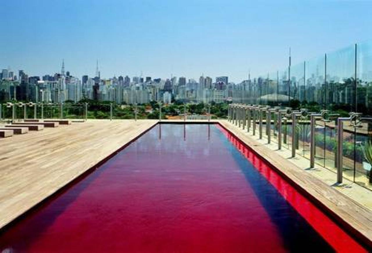 Conozca los diez hoteles con las piscinas m s incre bles for Mas piscinas
