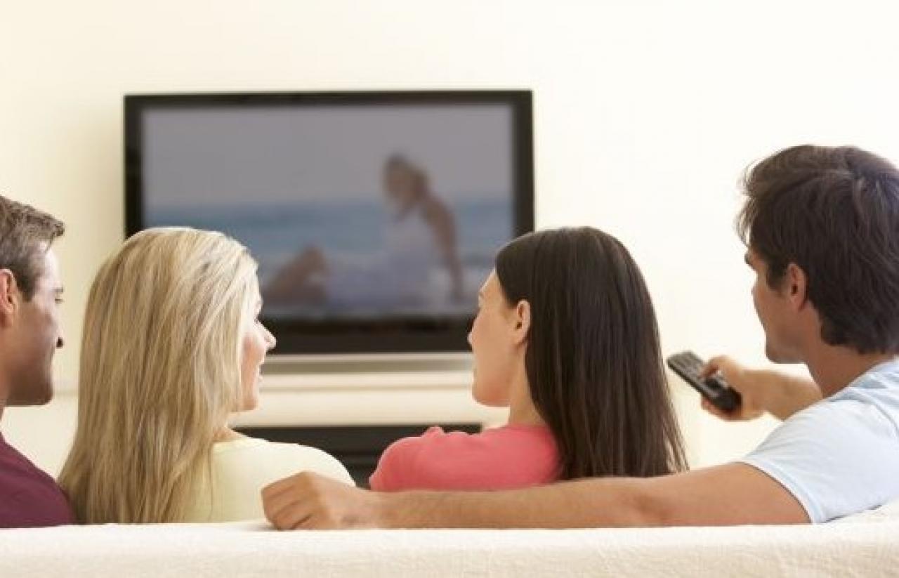 ¿Jóvenes Que Ven Mucha TV Corren Riesgos Cognitivos En